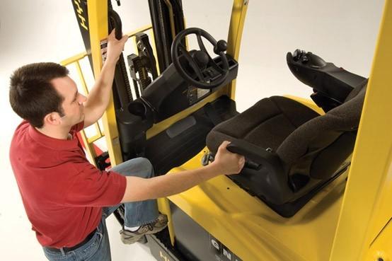 Forklift 04